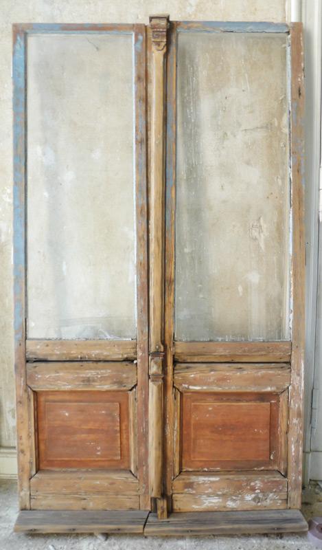 Denkmalschutz-Wohnungsumbau-Altbautür