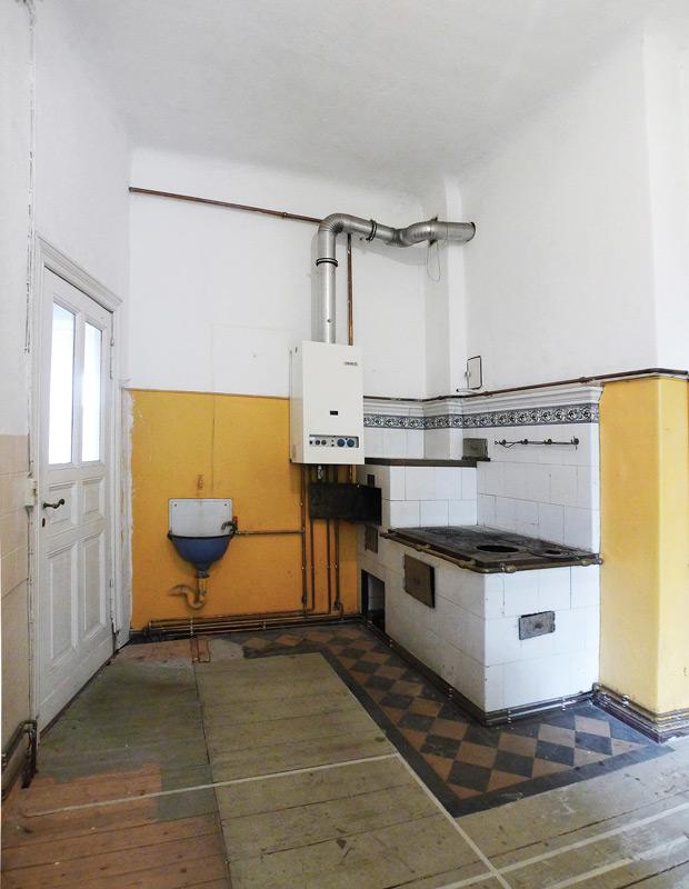 Denkmalschutz-Wohnungsumbau-Bad-vorher
